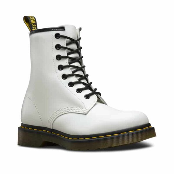 1460/11822100 White Smooth 8-Eye Boot