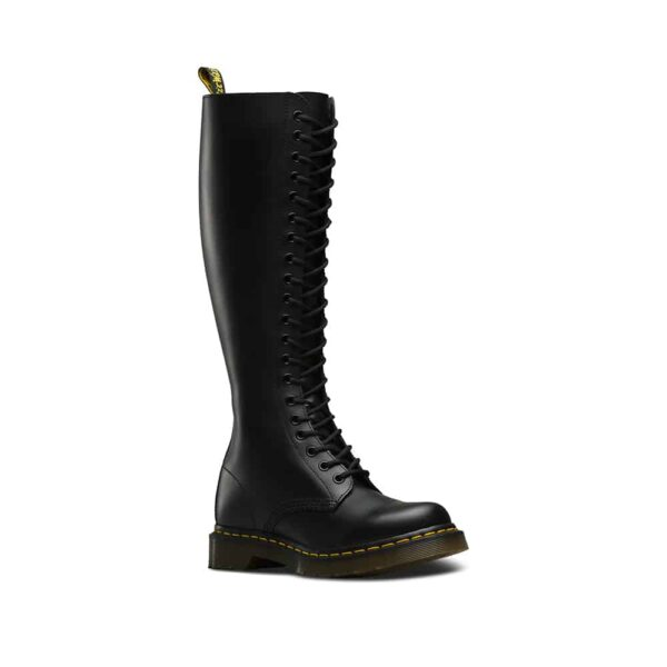 1B60/12270003 Black Smooth 20-Eye Boot