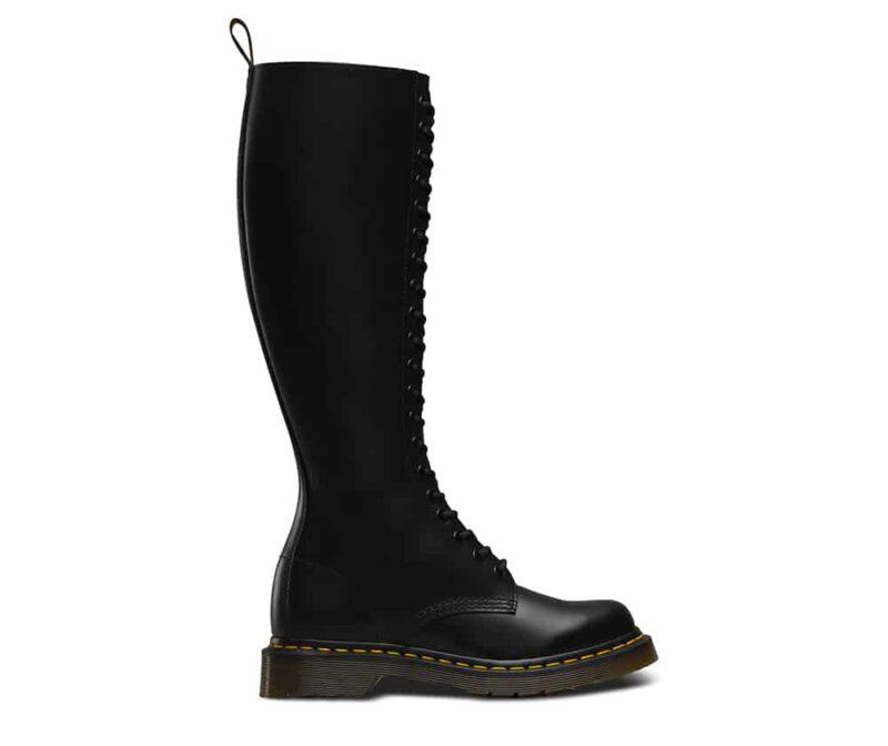 1B60/12270003 Black Smooth 20-Eye Boot 1