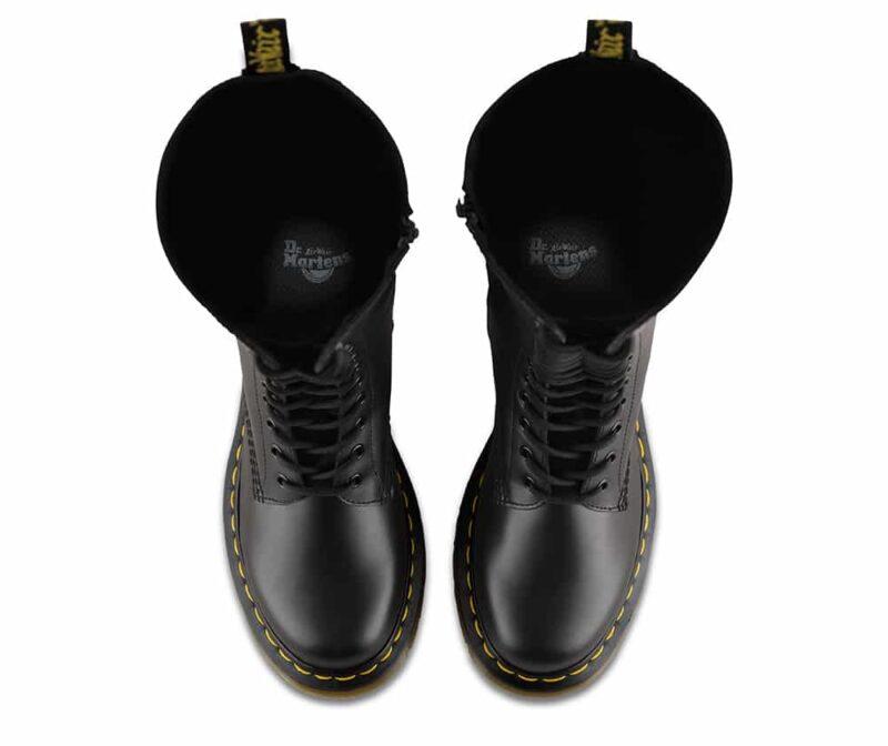1B60/12270003 Black Smooth 20-Eye Boot 6