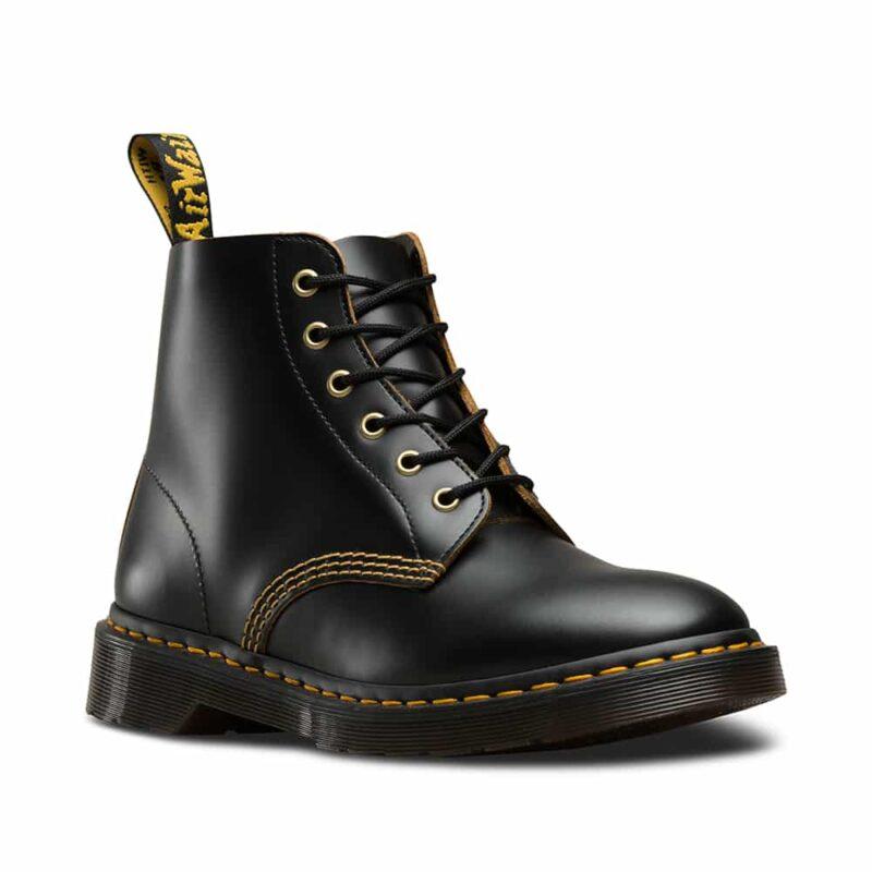 101/22701001 Black Vintage Smooth 6-Eye Boot