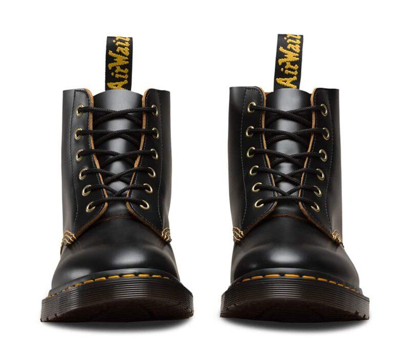 101/22701001 Black Vintage Smooth 6-Eye Boot 2