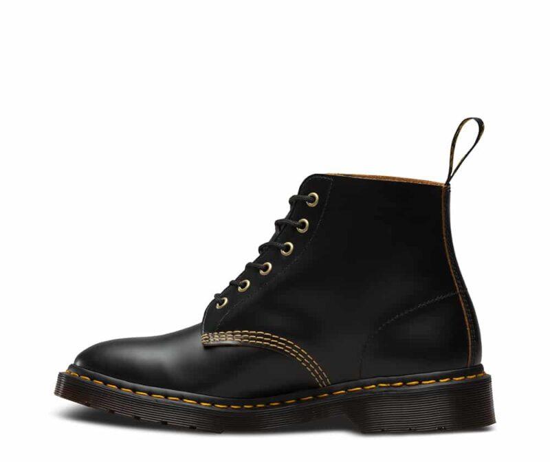 101/22701001 Black Vintage Smooth 6-Eye Boot 3
