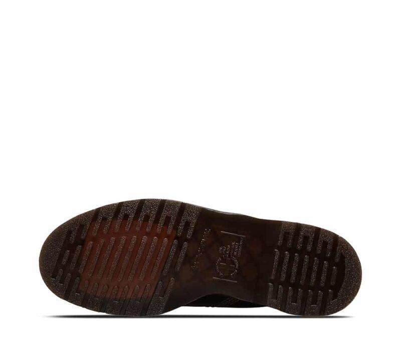 101/22701001 Black Vintage Smooth 6-Eye Boot 5
