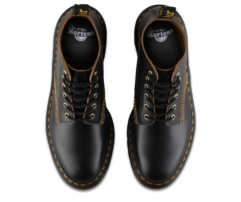 101/22701001 Black Vintage Smooth 6-Eye Boot 6