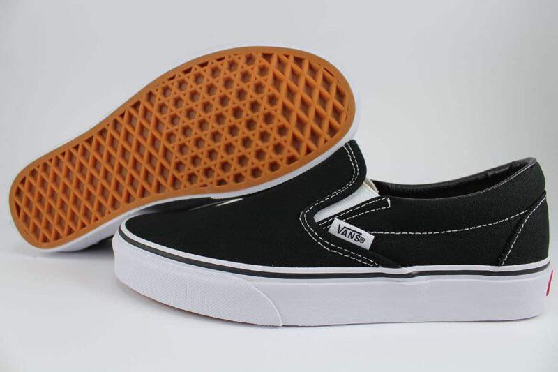 Vans Classic Slip-On Shoes Black/White 2