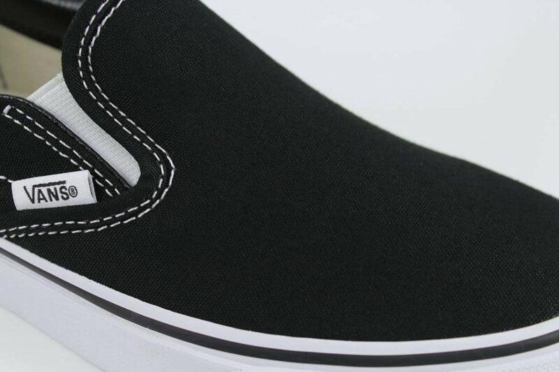 Vans Classic Slip-On Shoes Black/White 8
