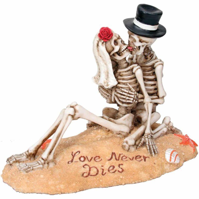 Skeleton Beach Lovers Figurine